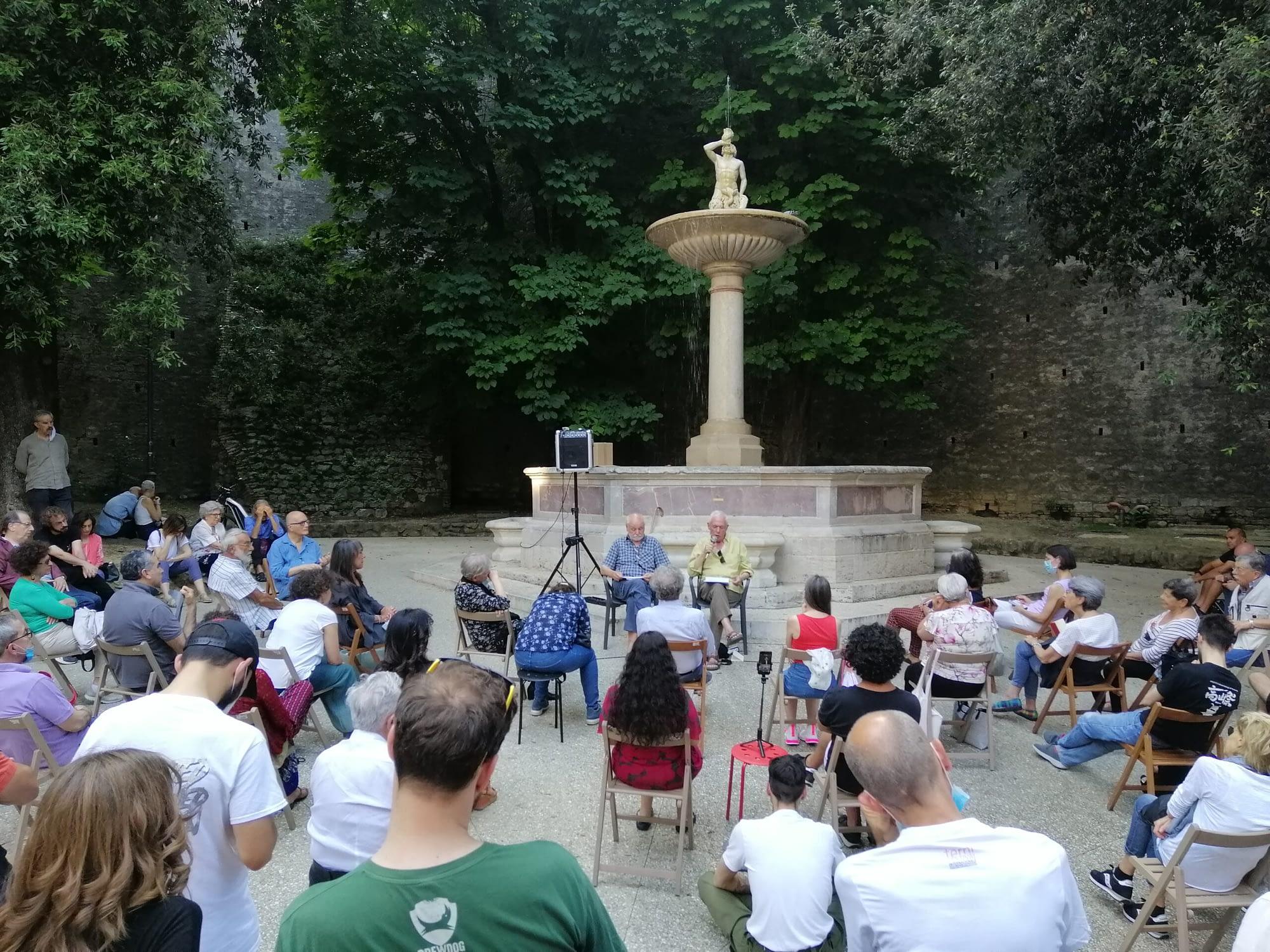 Goffredo Fofi e Piergiorgio Giacchè durante l'appuntamento sulla disobbedienza civile a Perugia