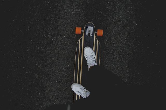 skateboard-1149863_640